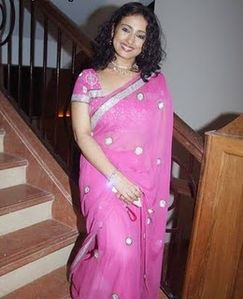 Latest Srees : Saree Design 2011: Divya Dutta in amazing saree