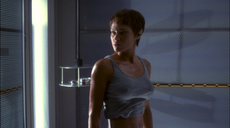 pol (Jolene Blalock) in a very tight tshirt � Enterprise Broken Bow
