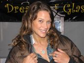 Actress Scottie Thompson / Lake Effects – DreamsOfGlass.com Blog
