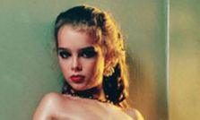 Tate Modern removes naked Brooke Shields picture after police visit