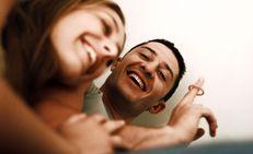 lis�ksi se tukee vaginan luontaista bakteerikantaa  (COLOURBOX COM