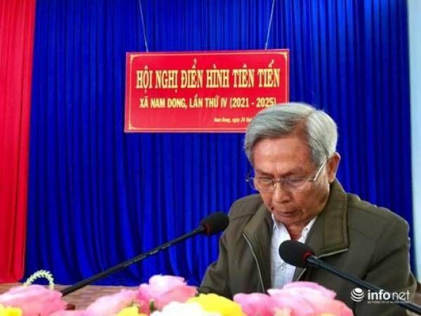 Cụ Nguyễn Văn Khoán phát biểu tại Hội nghị điển hình tiên tiến xã Nam Dong.