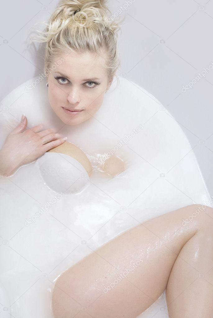 Nice Bathing