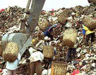 Pemukiman Kumuh di Sekitar TPA Bantar Gebang | Pups's Blog