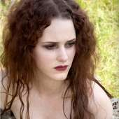 Rachel Brosnahan As Genevieve Duchannes 24