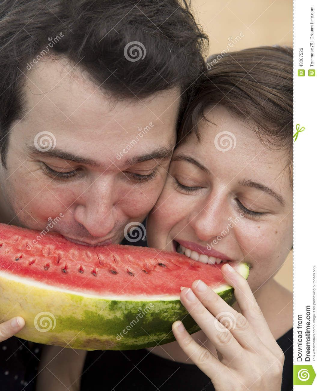 Lovers Eating