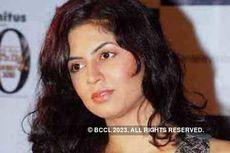 Kavita Kaushik More Pics )
