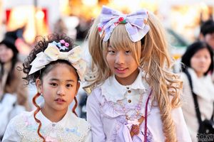 Harajuku Sweet Lolitas in Angelic Pretty Dresses & Hair Bows