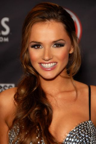 File:Tori Black AVN 2010 jpg - 維基百科,自由的百科全書