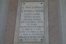 File:Plaque on statue base Antonio de Oquendo jpg  Wikipedia, the