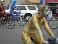 Description Fremont naked cyclists 2009  01.jpg