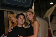 Description Lauren Phoenix at AVN Adult Entertainment Expo 2004 (1
