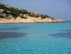Descrizione Lo splendido mare turchese dell'Arcipelago della Maddalena
