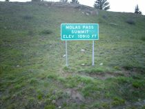 File:Molas Pass sign jpg  Wikipedia, the free encyclopedia