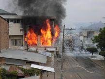 Archivo:Incendio al Municipio de Chone.jpg  Wikipedia, la