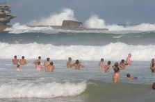 File:Bondi Beach Waves jpg  Wikimedia Commons