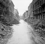 File:Destruction in a Berlin street jpg  Wikipedia, the free