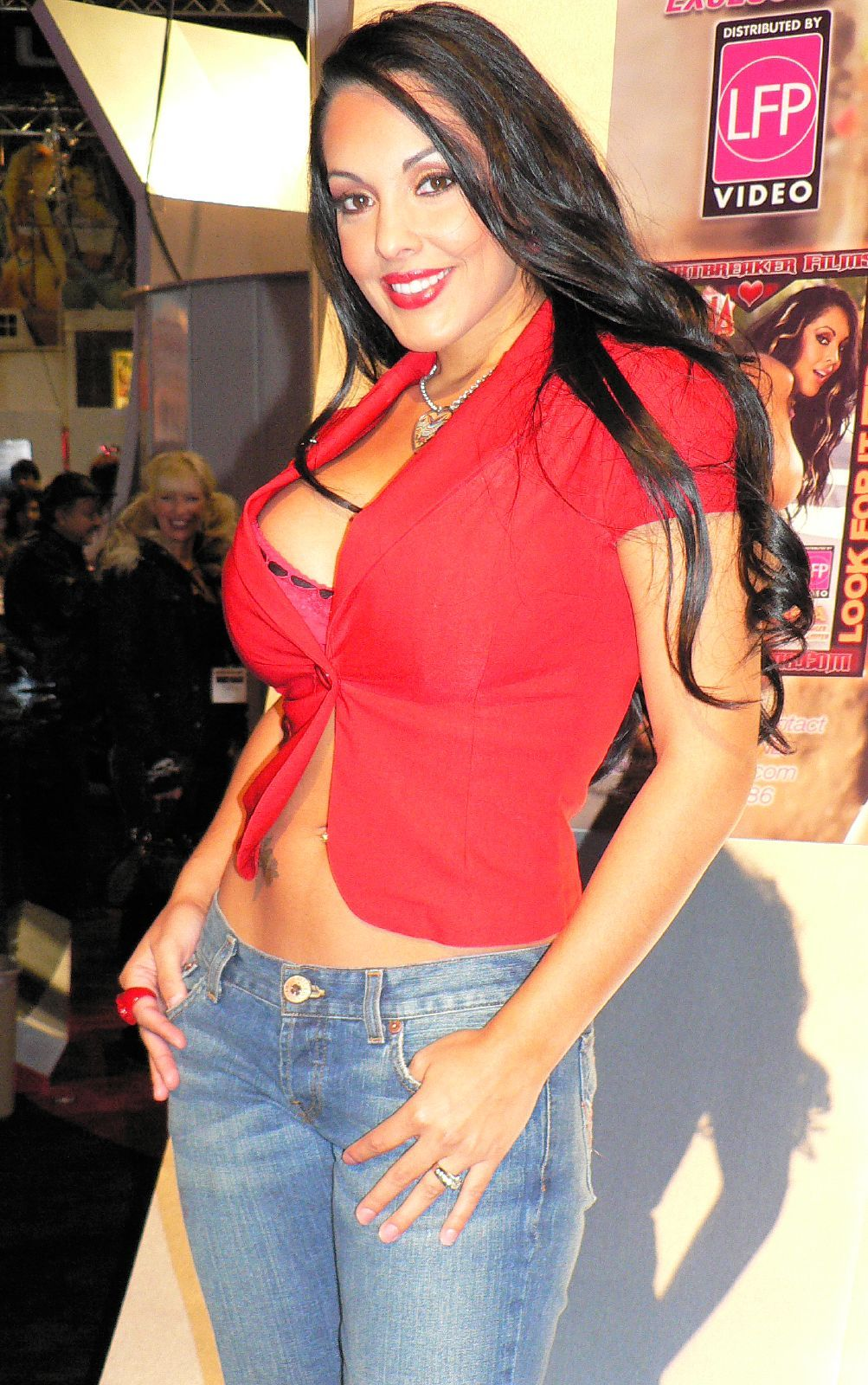 Nina Mercedez Photo