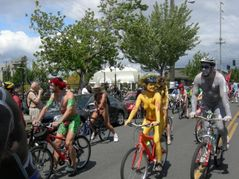 File:Fremont naked cyclists 2007  40 jpg  Wikimedia Commons