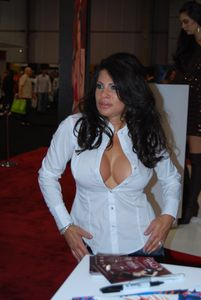 File:Teri Weigel at AVN Adult Entertainment Expo 2008 3 jpg