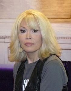 File:Amanda Lear 2010 a jpg - Wikipedia, the free encyclopedia