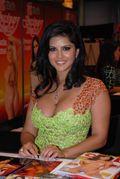 Description Sunny Leone at Exxxotica 2009 Miami Friday 2 adjusted jpg