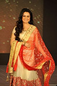 Padmini Kolhapure at Manish Malhotra - Lilavati Save & Empower Girl