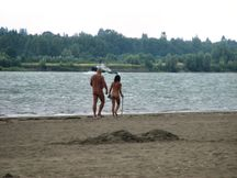 File:Nudist Father and Daughter jpg  Wikipedia, the free encyclopedia