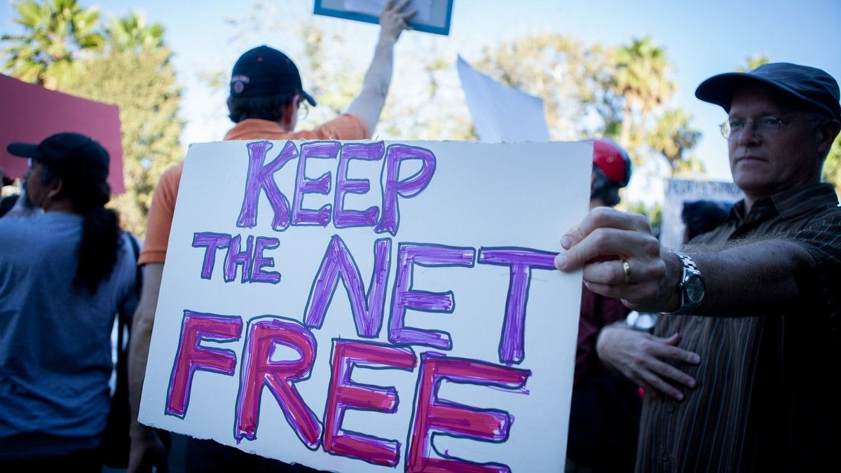 Shady Conservative Group Is Flooding the FCC With Anti-Net Neutrality Comments