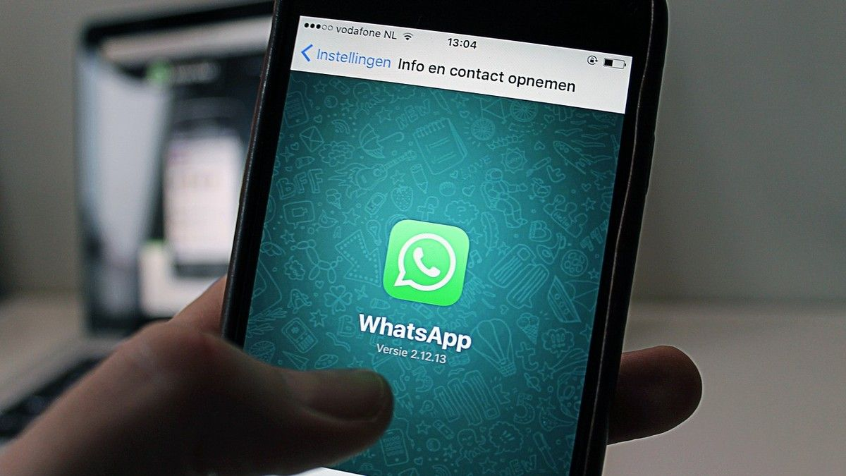 WhatsApp Is Down, Which Explains Why Your Crush Hasn't Messaged You Back