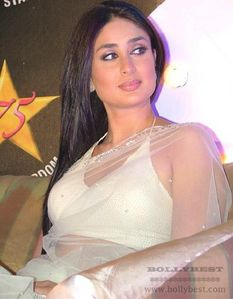 Kareena Kapoor boobs in heavy weight, Exclusive photo shoot of