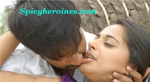 anushka hot lip kiss pics anuskha hot sexy saree photo gallery anuskha