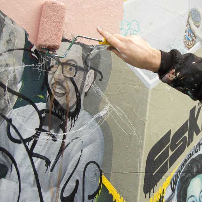 Rolf Harris likeness removed from Melbourne mural