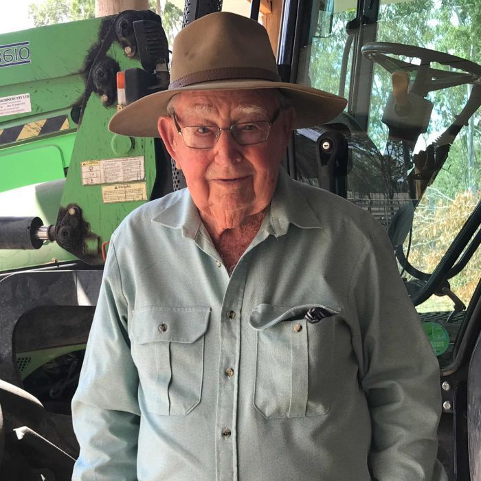 101-year-old Max 'still runs the show' on his Queensland cattle property
