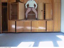 Artiste France  Pisseuse sur structure > Pisseuse sur structure, 2003