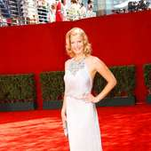 Anna Gunn Sexy Pictures | Photos | Pics | Primetime Emmy Awards 2009