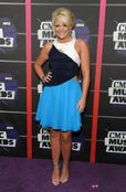 Lauren Alaina en los CMT Awards 2013