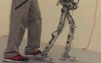 AMBER robot walks on human-like ...