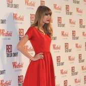 Taylor Swift Switches On Christmas Lights At Westfield Shopping