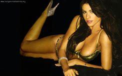 Sof�a Vergara desnuda y en una escena er�tica con Sharon Stone en