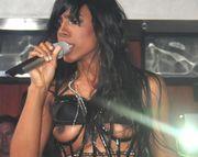 Nicki Minaj le hace un baile erótico al novio de Rihanna