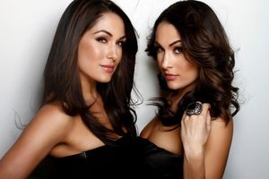 Nicole & Bri fka The Bella Twins Legends of the Ring June 2 in