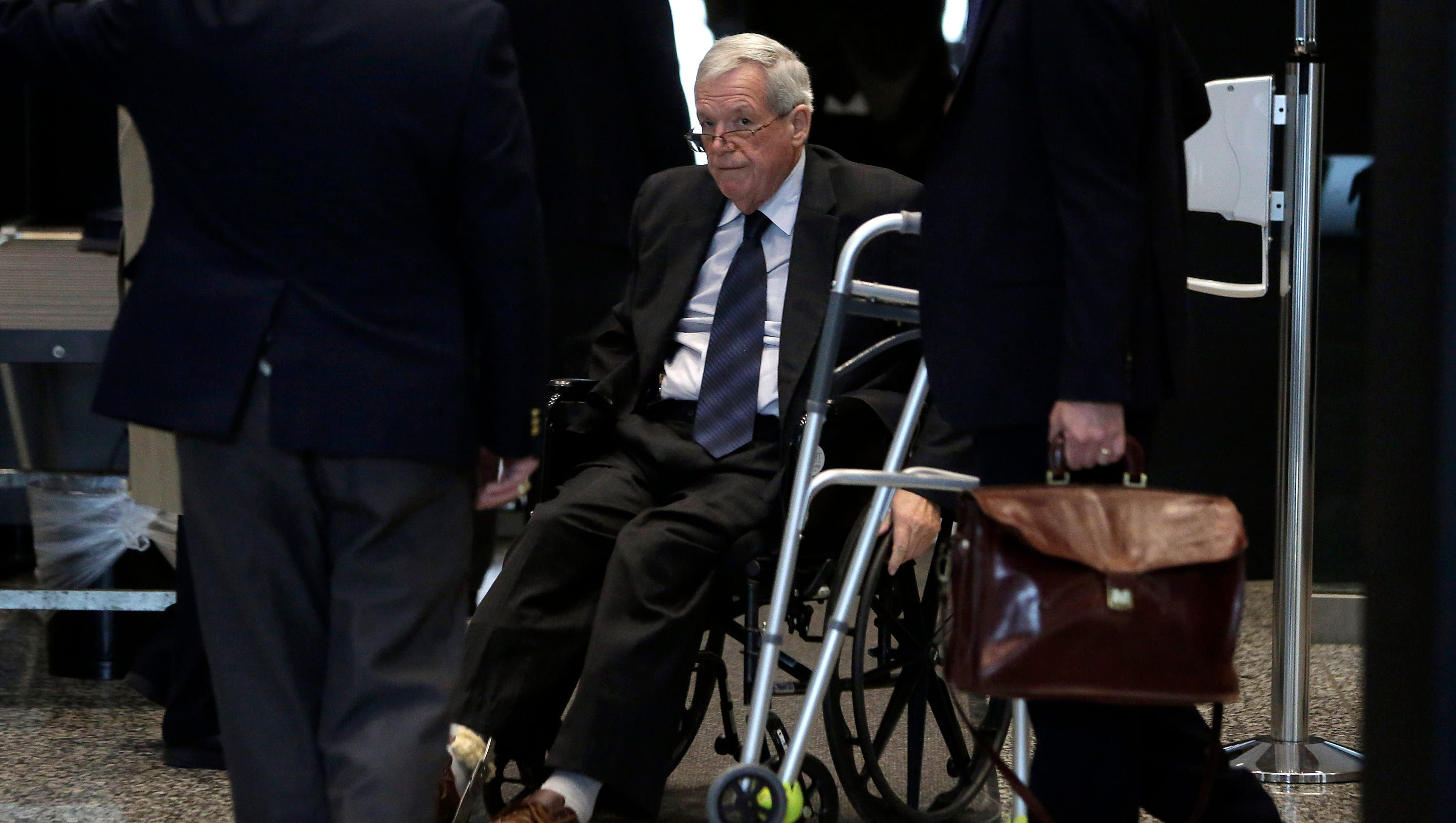 Ex-speaker Dennis Hastert faces sentencing in Chicago - USA TODAY