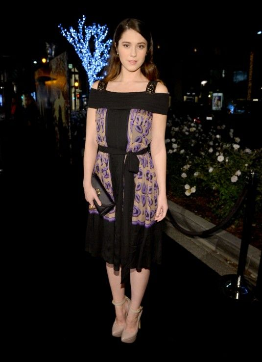 Mary Elizabeth Winstead At Rodeo Drive Walk Of Style Honoring Bvlgari In Beverly Hills