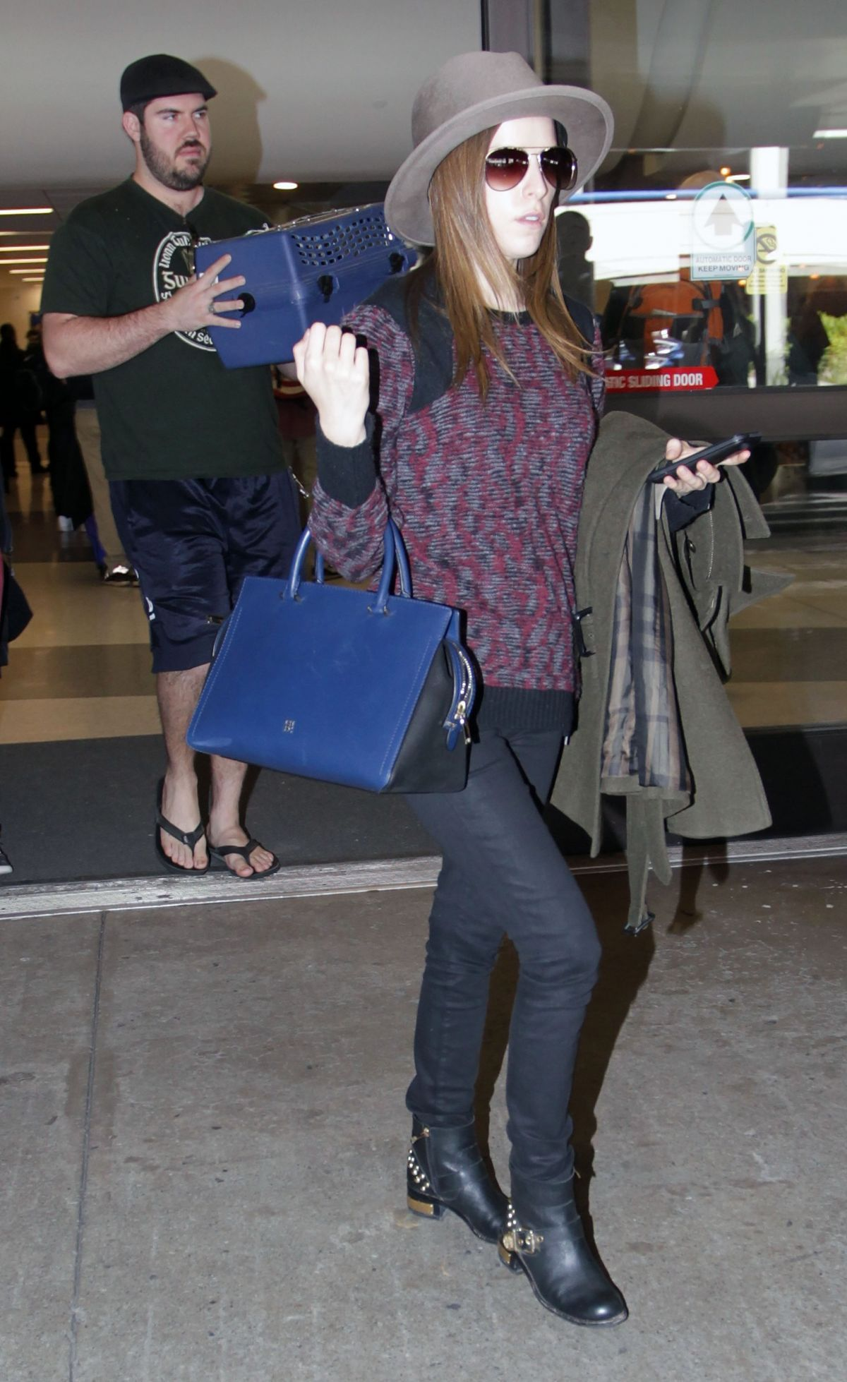 Anna Kendrick Arrives At Lax Airport In Los Angeles