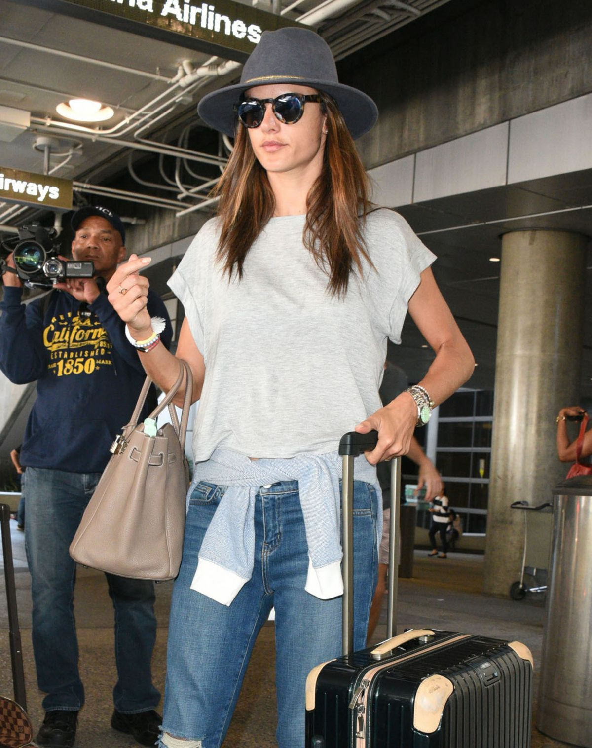 Alessandra Ambrosio At Lax Airport In Los Angeles 07 27 2015