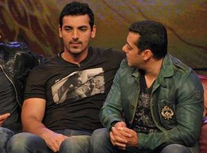 John Abraham and Salman Khan chat up on the sets of Bigg Boss 5  Desi