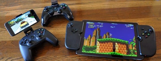 The Best MFi Gamepads for Your iPhone or iPad