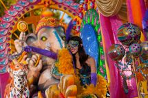 �Elegance of India� float at Universal Orlando�s 2013 Mardi Gras