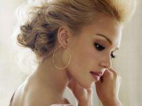 Jessica Alba Ear Piercing 1